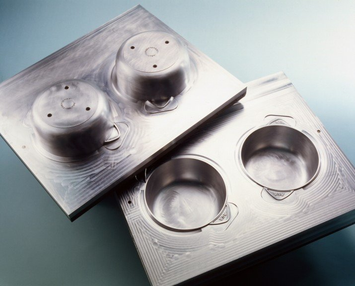 complex sandcasting cores and moulds and Sintered Sand