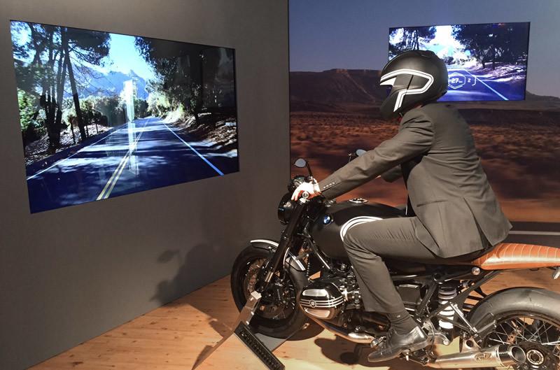 CES-motorcycle-helmet-HUD